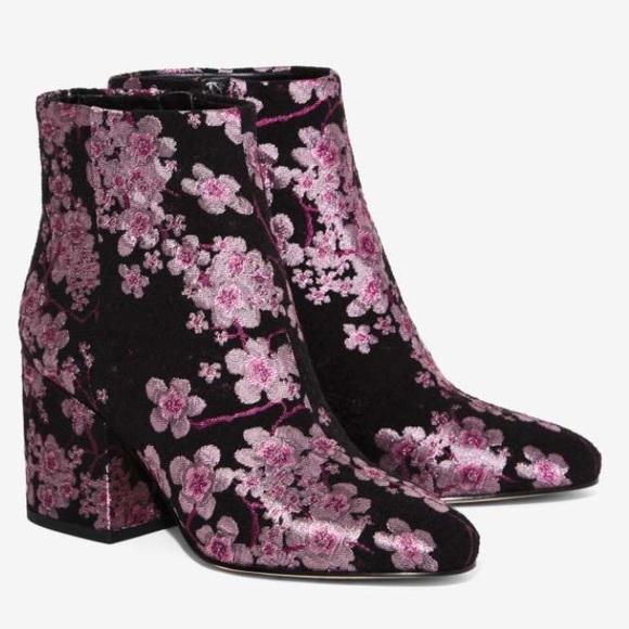 d67e9e802 Sam Edelman Taye Floral-Brocade Ankle Boots ✨. M 5afcc3ed9d20f03a865c4393